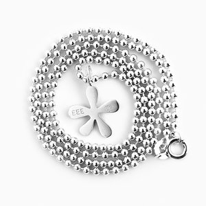Necklace, small flower
